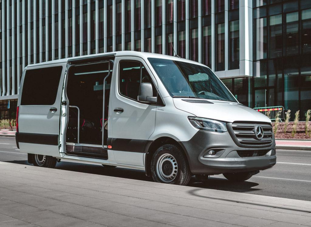 esteetön taksi Mercedes-Benz Sprinter